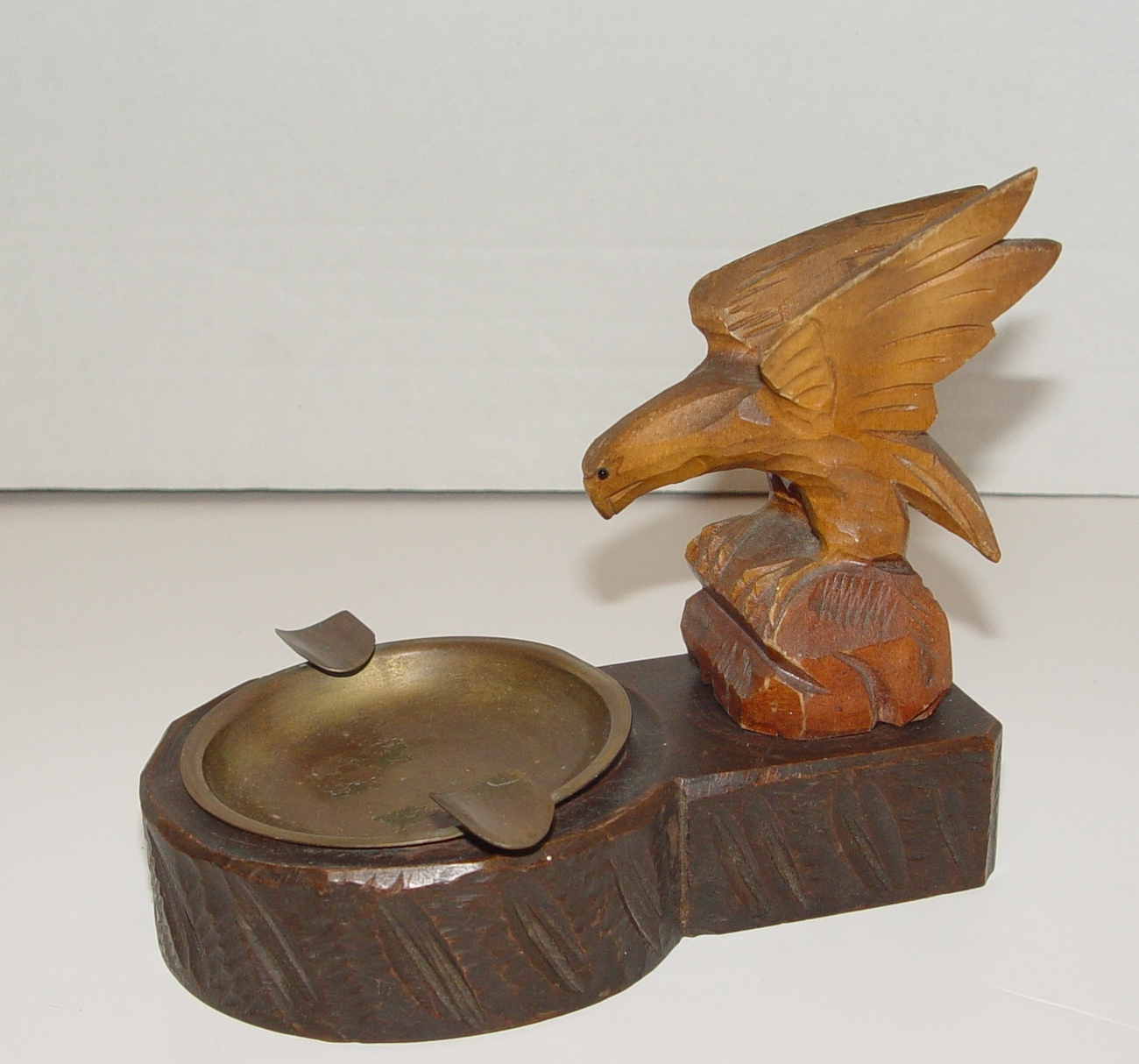 Vintage  American Eagle Carved Ashtray ca. 1940s