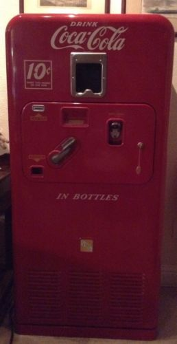 VMC 33 Coke Glass Bottle Vending Machine Original Working Coca Cola Advertising