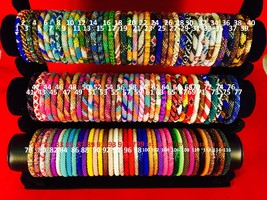 New 100 Pieces Glass Beaded Bracelet Made in NEPAL Handicraft and croche... - $180.00