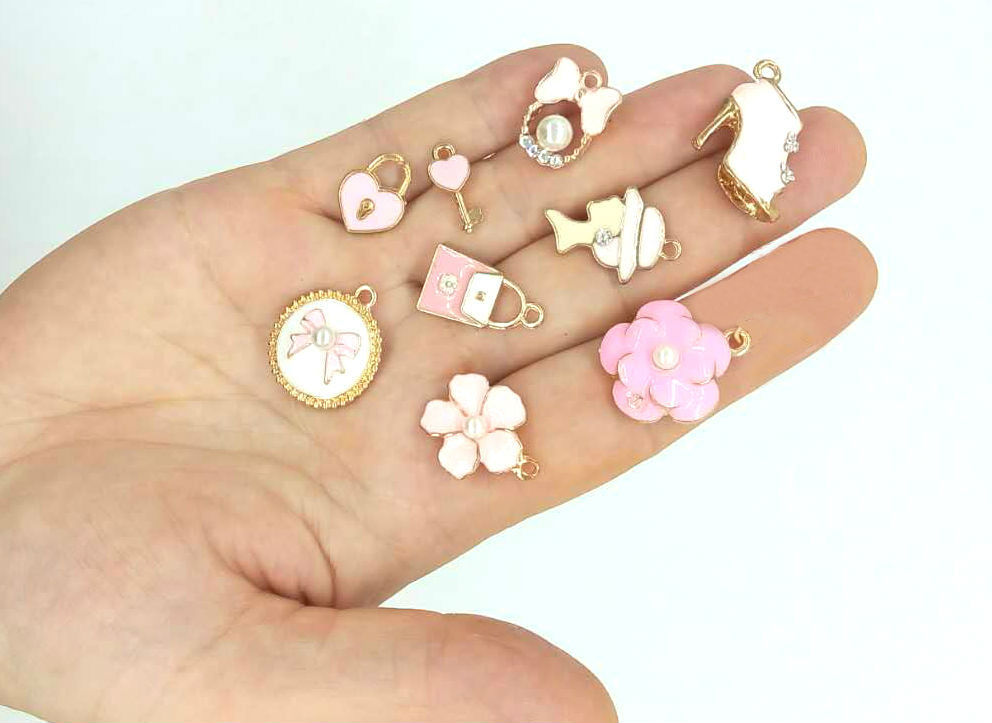 2/5/Mix8pcs Charms Bracelets Pendant Necklace Camellia Medallion Pearl Wholesale