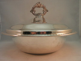 FB Rogers 1883 SilverPlate Large Round Serving Bowl & Lid Gadroon Rim - $36.95