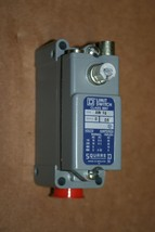 NIB Square D Model 9007AW16 Position Switch Lever Arm Type  No Instructions - $75.00