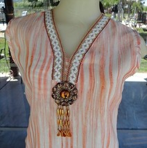 ✲ Sleeveless Trimmed Neckline Medallion Shirt Sz. S ✲ - $9.89