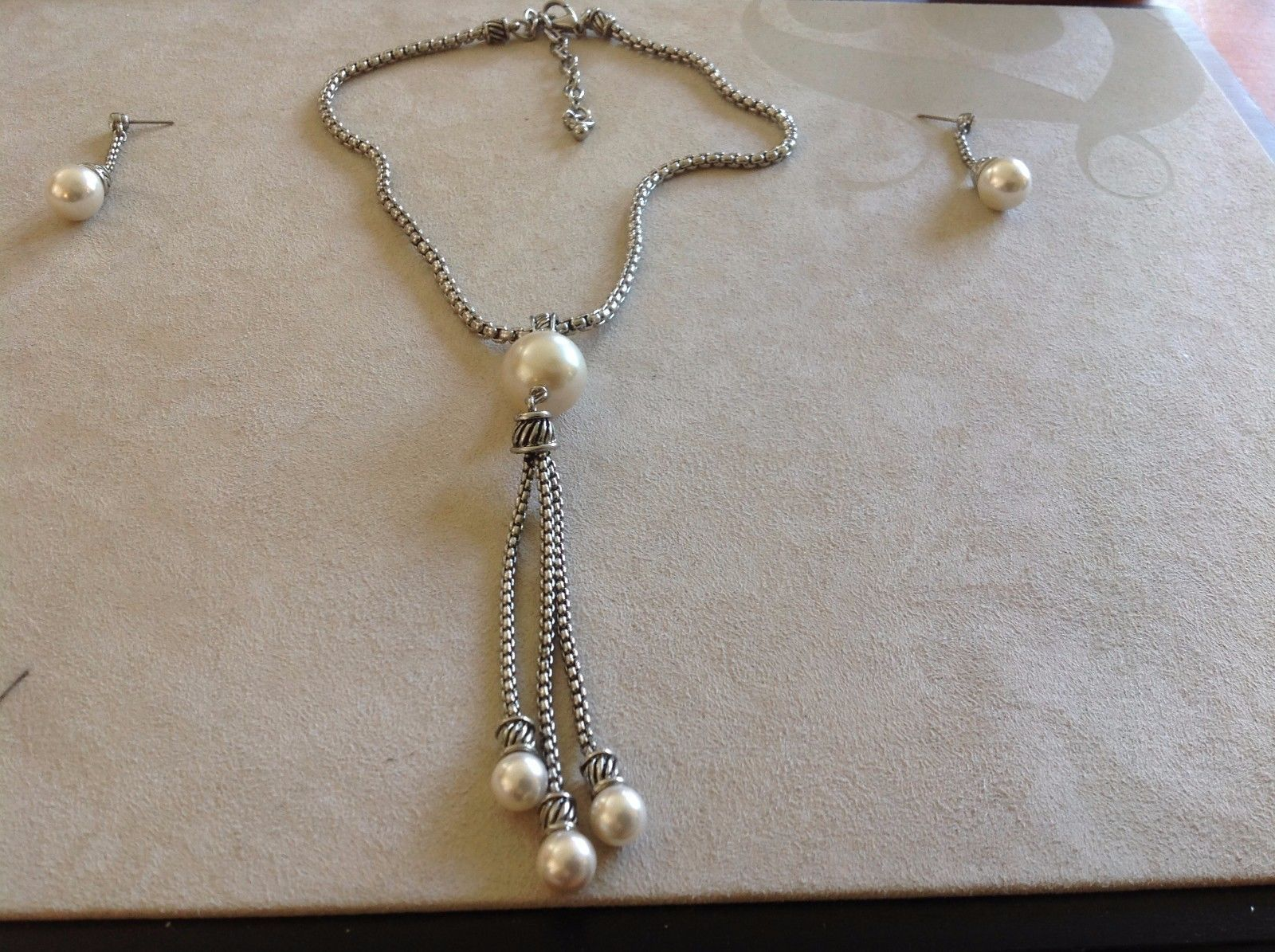 New Chain Link Silver Toned Necklace Simulated Pearl Charms Earrings