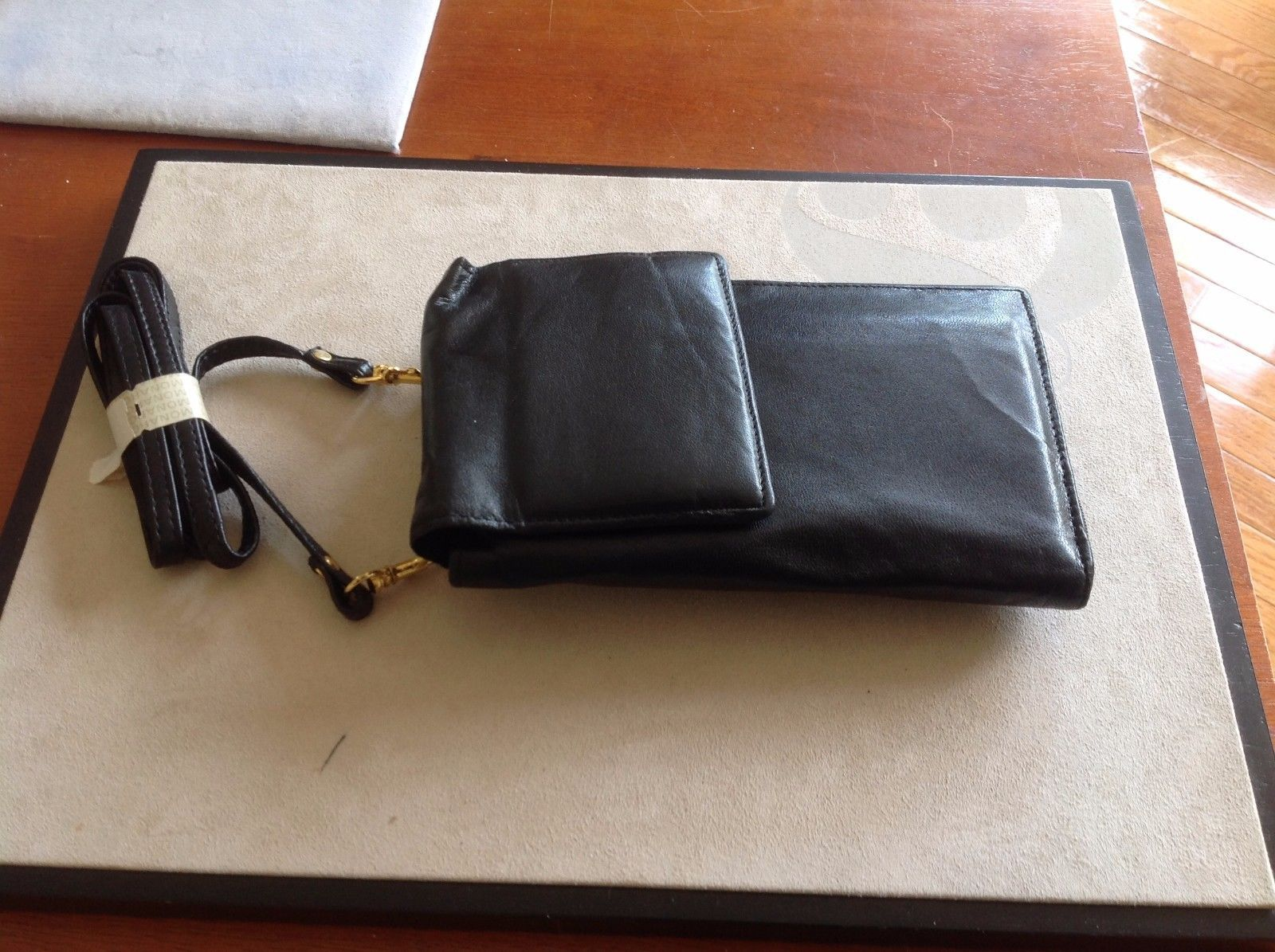 New Georgetown Black Genuine Leather Two Fold Wallet Handle Mirror