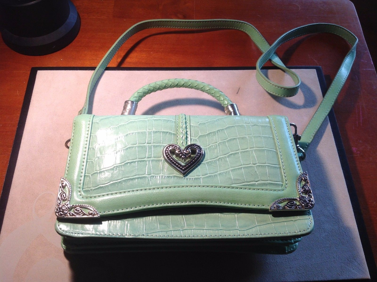 New Mint Green Reptile Pattern Purse 10 Pockets Long Detachable Handle Heart