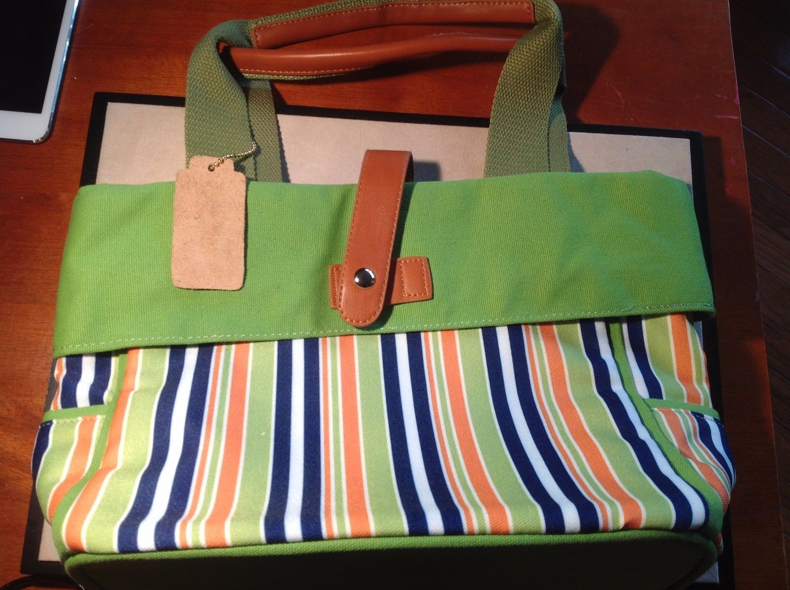 New Howard's Arianna Green White Blue Orange Purse Light Green Cloth Magnetic