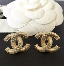NEW Chanel CC Earrings Large Gold Pearl Embellished Stud Earrings