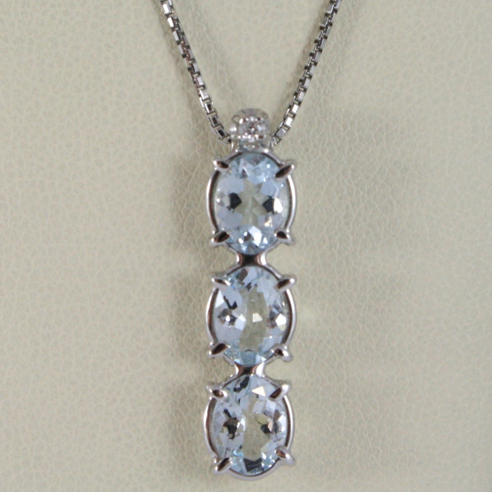 18K WHITE GOLD NECKLACE, AQUAMARINE TRILOGY PENDANT WITH DIAMOND, VENETIAN CHAIN