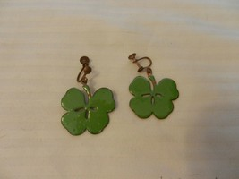 Vintage Painted Copper Metal 4 Leaf Clover Pair of Post Clip On Earrings - $14.84
