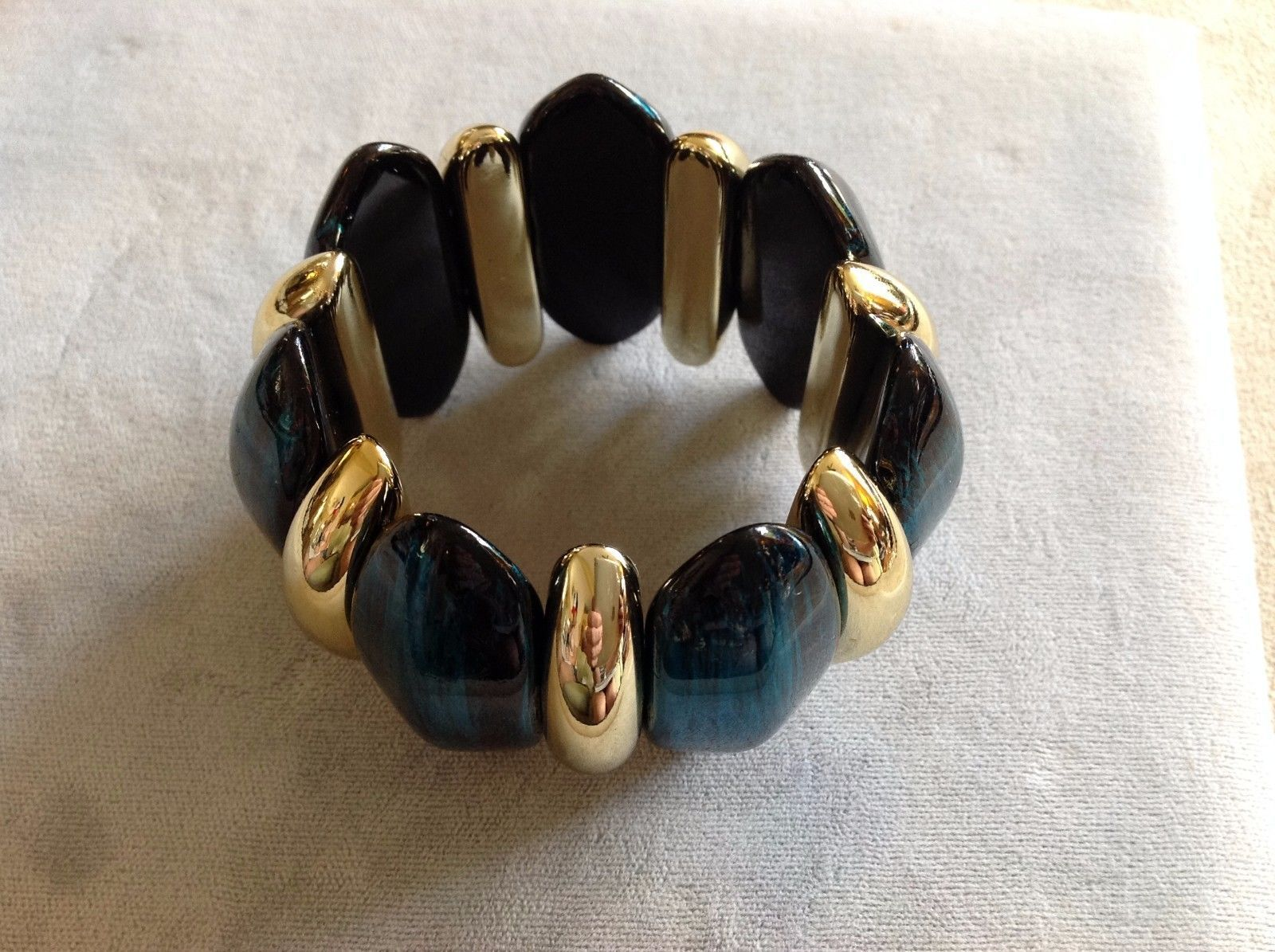 New Bracelet Gold Toned Dark Aqua Marine Separated by Gold Toned Dividers