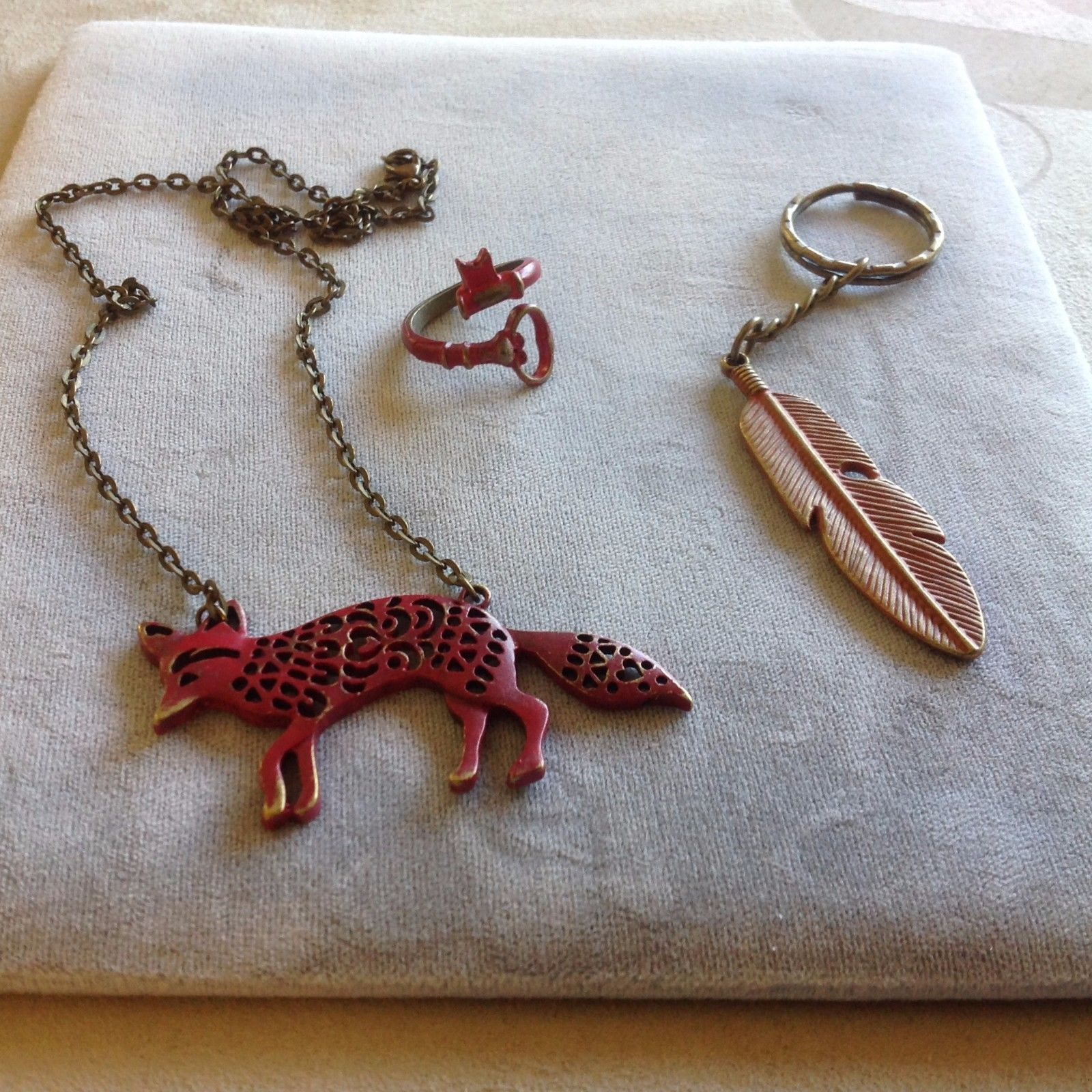 New Set of Accessories Red Coyote Necklace Ring Keychain Orange Red Key Ring