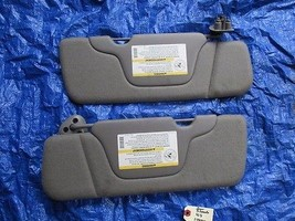 00-02 Chevy Silverado sun visor set light grey OEM GMC Sierra vanity mirror  - $69.98