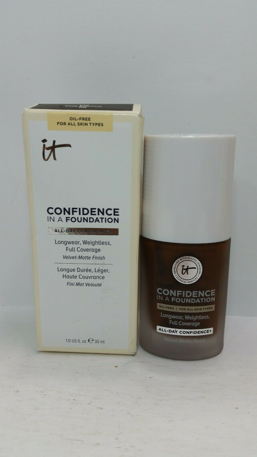 Primary image for IT Cosmetics Confidence in a Foundation - Deep Espresso 545  full size 1 oz NIB
