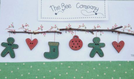Green Christmas Garland Buttons 6pcs cross stitch embellishment The Bee Company  - $5.00