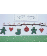 Green Christmas Garland Buttons 6pcs cross stitch embellishment The Bee ... - $5.00