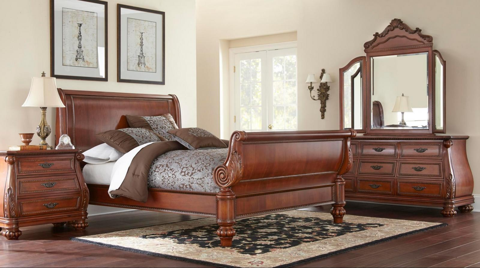 7021Q Sierra Bed Queen Classic Cherry Traditional Brown Wood Platform by MYCO