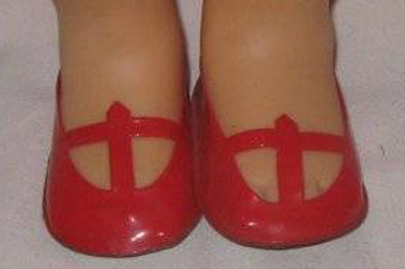 """NEW MATTEL SINGING CHATTY RED T STRAP SHOES & JAPAN SOCK - fit many 14-16"""" Dolls"""