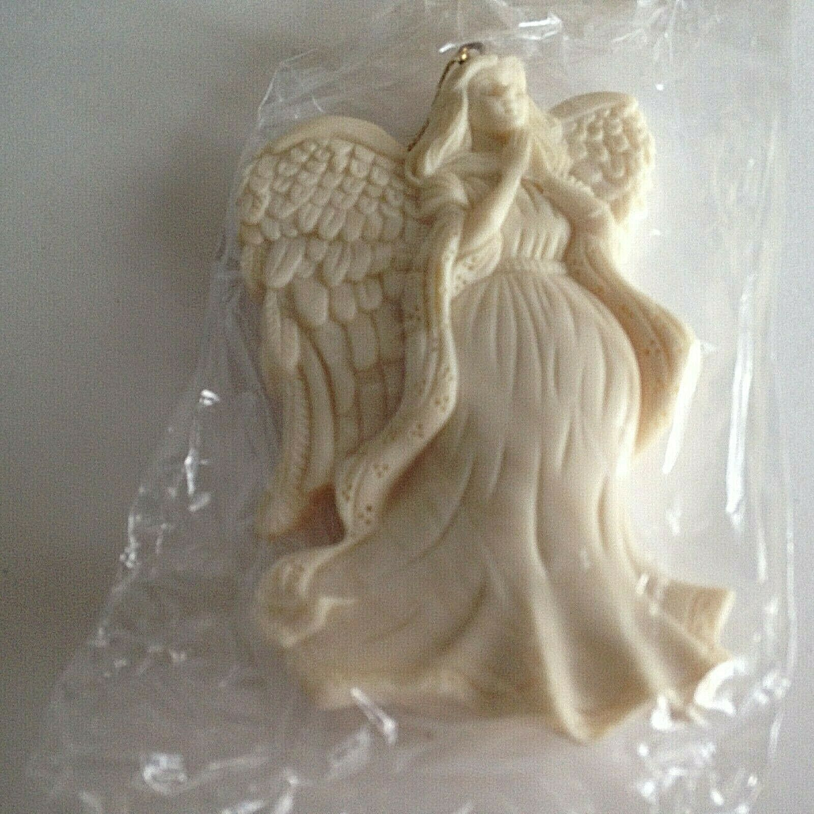 "VTG Season's Joy  ""Angel"" Ornament 4.5"" Resin 1997 AVON GIFT COLLECTION w/box"