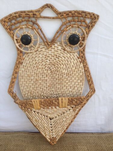 "Primary image for Handmade 17"" Owl Folk Art Deco Straw Basket Weave Wall Hanging Holder Home Décor"