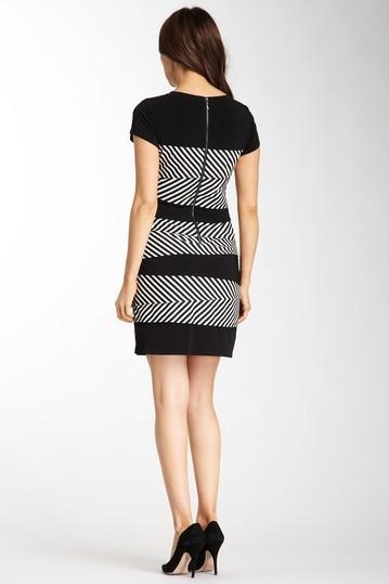 Laundry by Shelli Segal Crew Neck Dress with Layered Stripe Print Sz 4 NWT $245