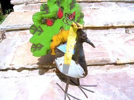 Metal Yard Art Green PEACOCK Recycled Junk Iron Big Bird Green Garden BZ - $124.99