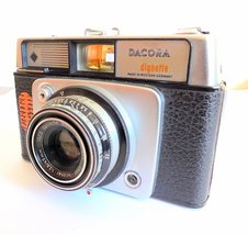 Dacora Dignette Vintage 1950s 35mm Film Camera, made in Germany - $34.00