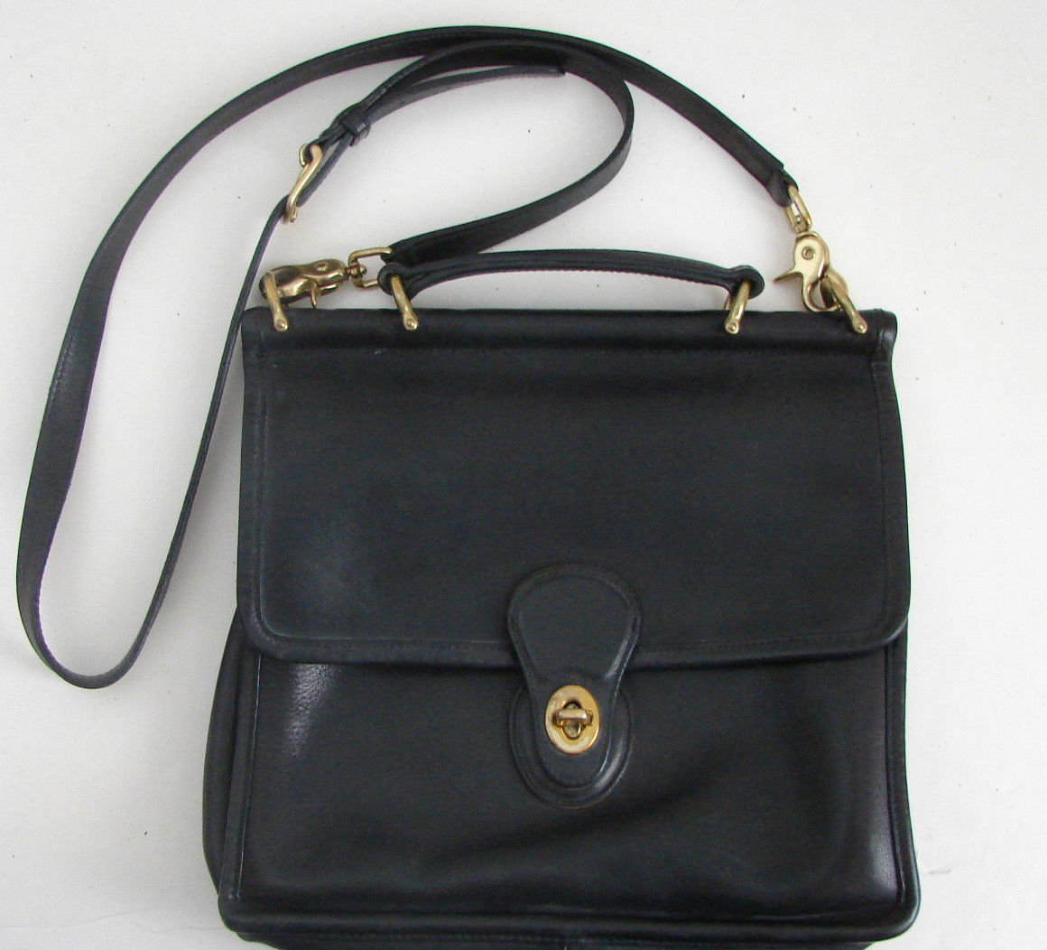 COACH Vintage Black Leather Cross Body Messenger Bag