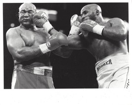 George Foreman Vs Michael Moorer 8 X10 Photo Boxing Picture - $3.95