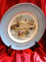 AVON CAROLLERS IN THE SNOW HOLIDAY CHRISTMAS PLATE 1977 - $16.81