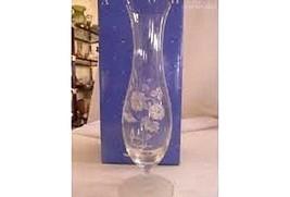 Avon Hummingbird Crystal Bud Vase - $21.03
