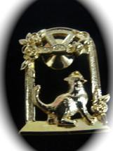 Avon Cat Goldtone Vintage Brooch Pin - $7.78