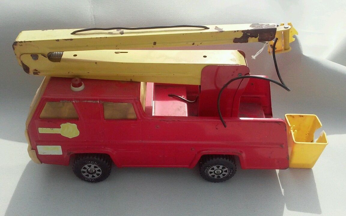 vintage Tonka Snorkel Fire Engine 13203 Pressed Steel red metal toy truck 34