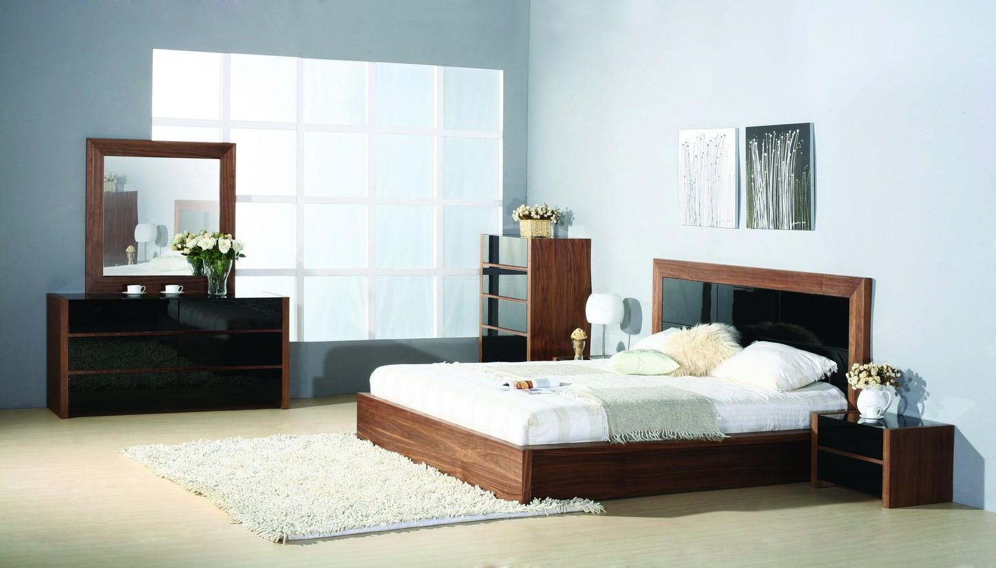 BH Stark King Size Platform Bedroom Set 5pc. Walnut Contemporary Style