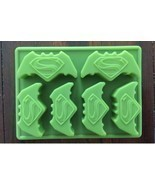 NEW BATMAN VS SUPERMAN SUPERHERO BIRTHDAY CAKE PAN CANDY MOLD ICE TRAY  - £6.38 GBP