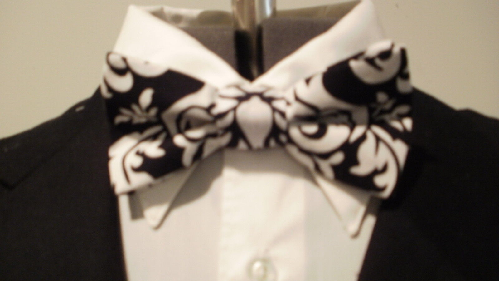 Damask Bowtie Men's Black And White Bow Tie Wedding Bridal Groom Groomsmen