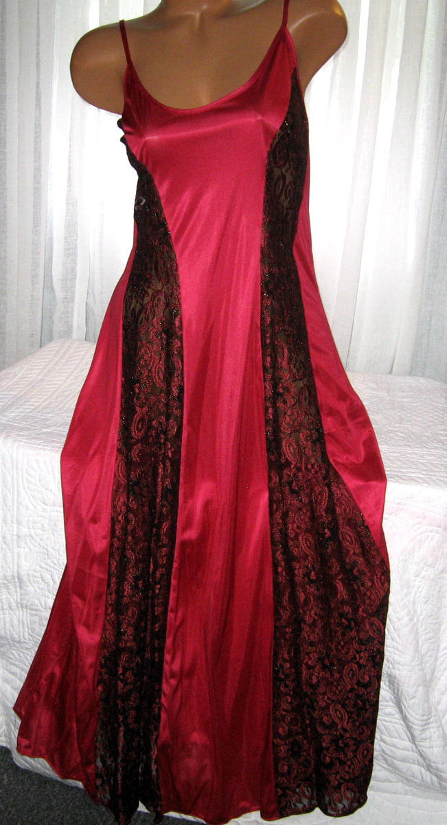 Red Burgundy w/Black Lace Panels Long Nightgown 2X Lingerie Plus Size