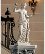 Goddess of Love Venus Holding The Apple of Disc... - $158.34
