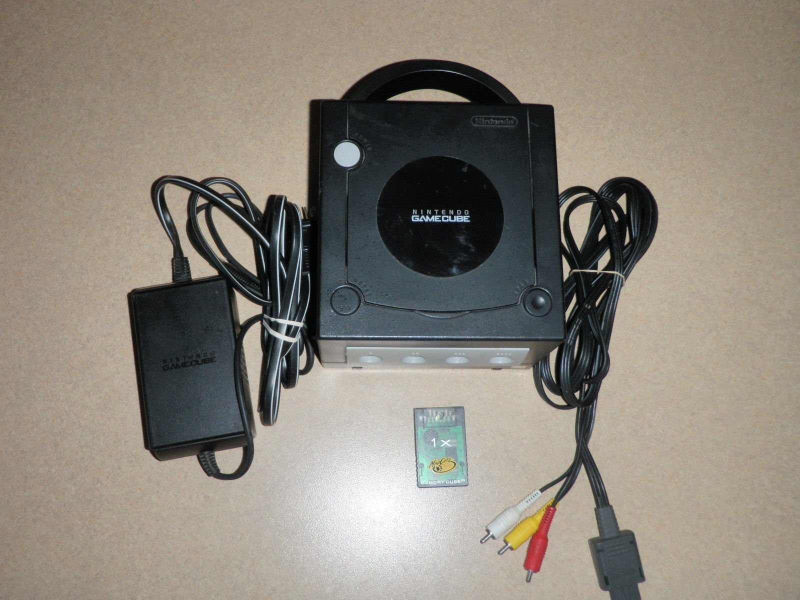 Nintendo GameCube Black Console DOL-101 USA Mad Catz Memory Cube 1X TESTED WORKS