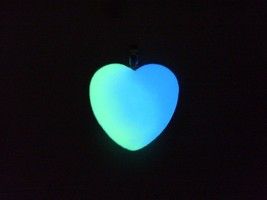 "GLOW IN THE DARK Simple 1"" Inch Silver Heart Pendant Charm Necklace Cute... - $10.45+"