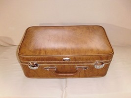 Vintage Amelia Earhart Wallstreeter Suitcase Luggage,Tan-With Key - $29.99