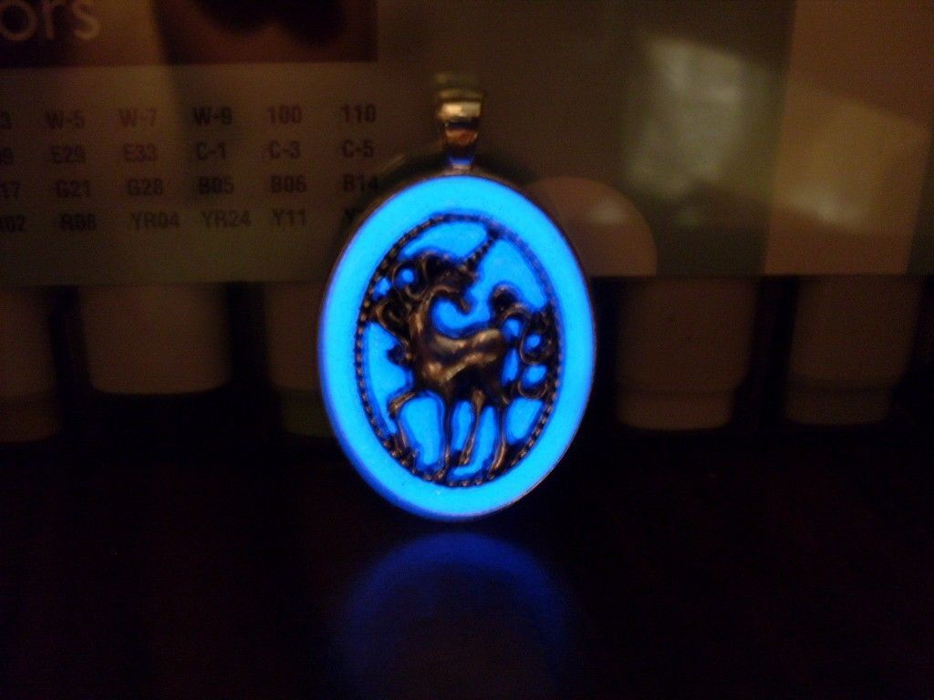 GLOW IN THE DARK Unicorn Horse Glitter Oval Charm Pendant Fantasy Necklace