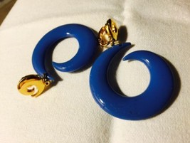 Grandmas Estate French Blue Clip Beautiful Earrings (Mia) - $9.89