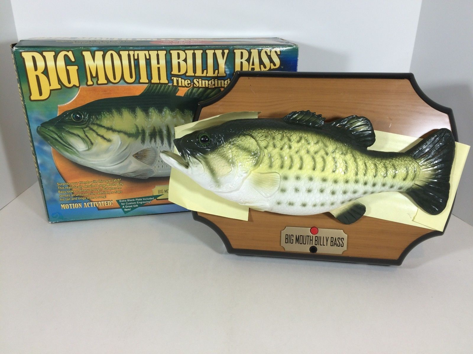 Gemmy 1999 big mouth billy bass singing fish and 50 for Talking fish on wall