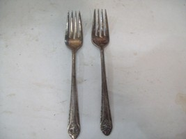 """Holmes and Edwards """"Lovely Lady"""" Silver Plate 2 Salad Forks B11 - $9.89"""