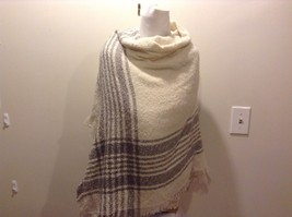 New White Gray Plaid Knitted Wrap Scarf Adorable image 4