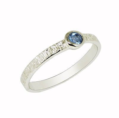 925 Sterling wonderful silver ring for women with blue topaz stone Sz-7 SR575