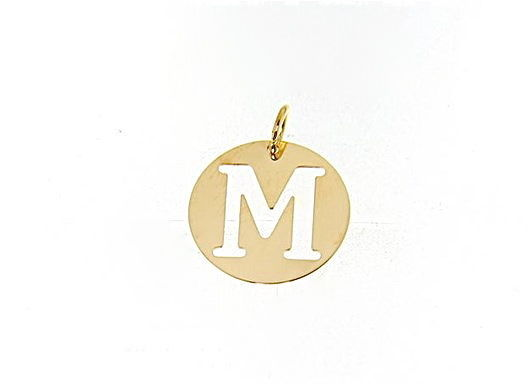 18K YELLOW GOLD LUSTER ROUND MEDAL WITH LETTER M MADE IN ITALY DIAMETER 0.5 IN