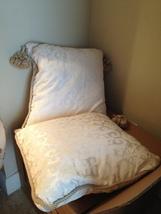 "Set of 2 soft 20"" decorative pillows cream patterned 2 tassel - $1.218,14 MXN"