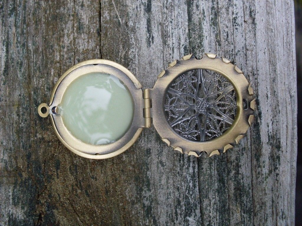 GLOW IN THE DARK Bronze CIRCLE Filigree Locket Vintage Gothic Steampunk Pendant